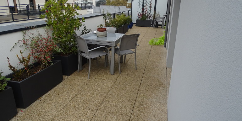 ANGLE TERRASSE OUEST