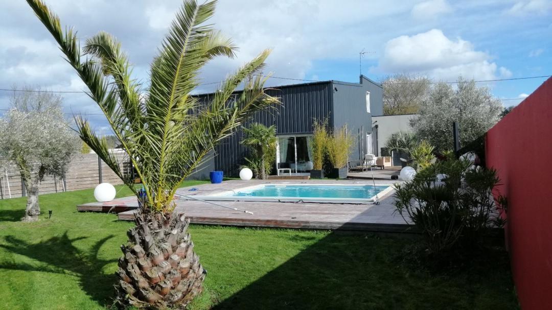 Maison contemporaine à Saint Jean de Linières