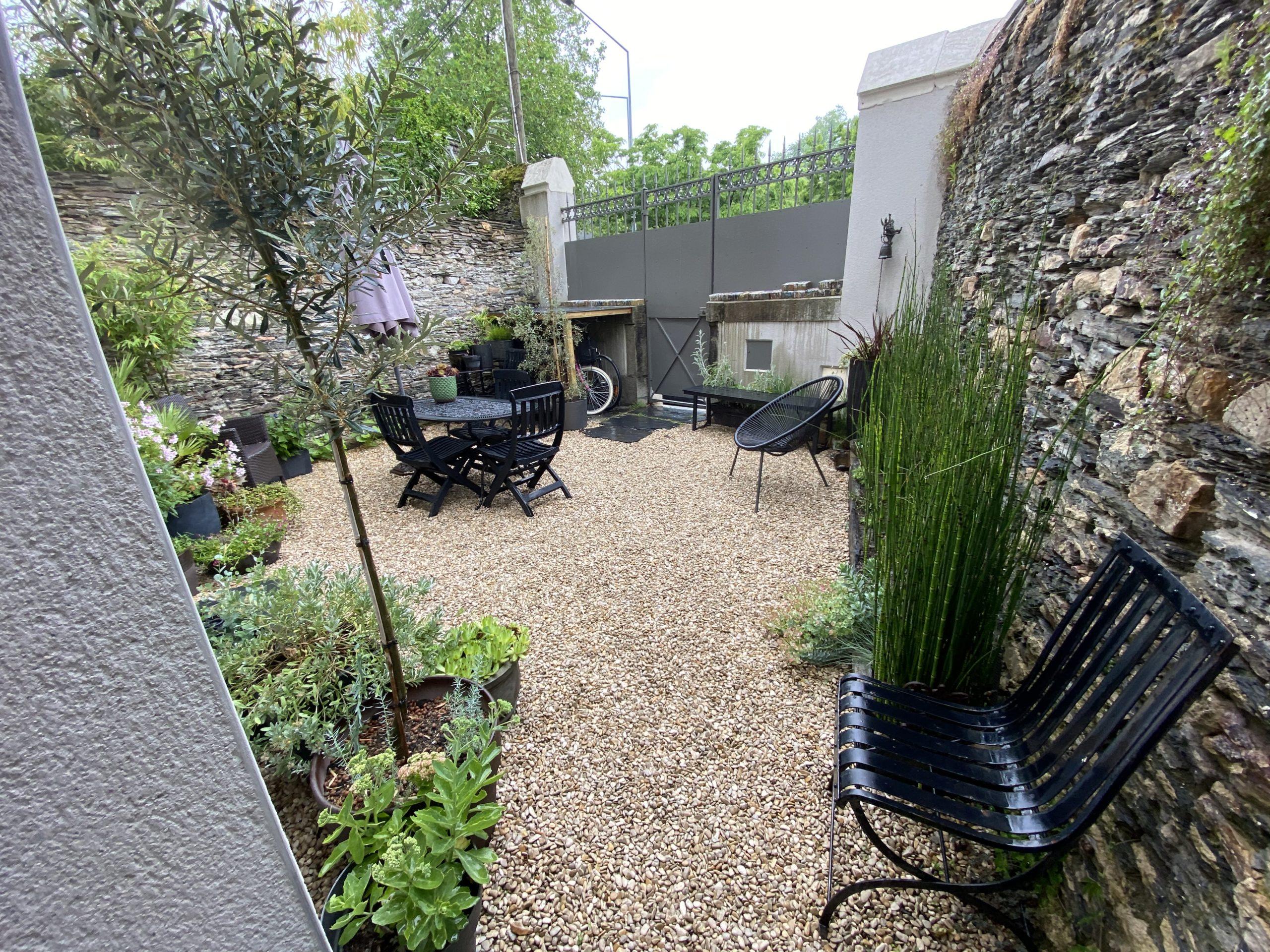 Maison angevine fin XIXe avec patio et cour intérieure – Quartier NEY – ANGERS 49100